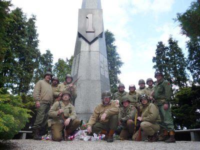 Cestou k hranicím zastavujeme u známého pomníku 1. pěší divize – slavné Big Red One.