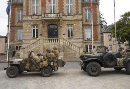 Na cestě z Mont Castre se zastavujeme i v Périers, kde se nachází...