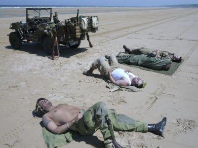 ... výsadkáři jsou po včerejšku značně vyčerpaní a nereagují.
