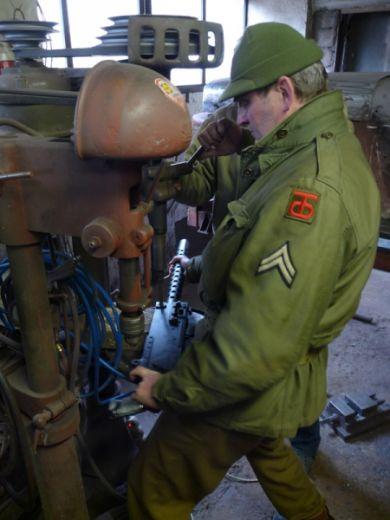 Ještě pár nezbytných úprav na výzbroji a vyrážíme dál.