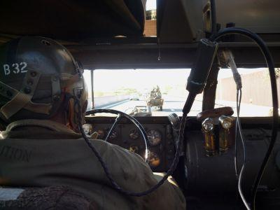 Jelly za volantem half-tracku HQ-15 na cestě do Dobřan.